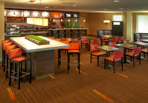 courtyard-marriott-breakfast-room-roanoke-airport